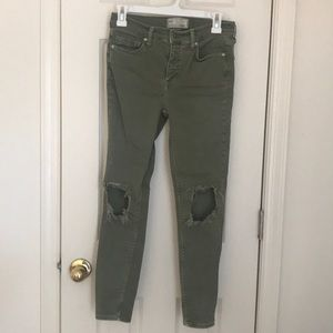 Free people busted skinny jeans size 27